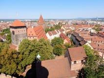 De oude die stad van Nuremberg van het Kasteel Duitsland wordt gezien van Nuremberg stock foto