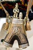 De oude doos van het hutsulpoeder met zilveren ornamenten en decoratie Stock Foto