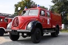 De oude Duitse auto van de brandbrigade Stock Afbeeldingen