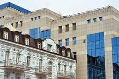 De oude en nieuwe bouw Royalty-vrije Stock Foto