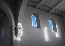 De oude en oude vensters in een ruimte Royalty-vrije Stock Afbeelding