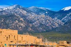 De Oude Geschiedenis van Taosnew mexico Sangre DE cristo Mountains stock foto