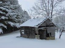 De oude Gistbouw in de Sneeuw Royalty-vrije Stock Afbeeldingen