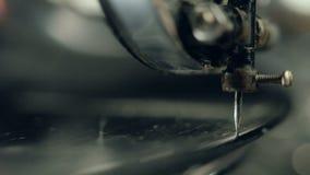 De oude grammofoonvideo, sluit omhoog, macroschot stock video