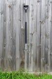 De Oude hooivork op houten achtergrond Royalty-vrije Stock Fotografie