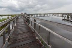 De oude houten brug Royalty-vrije Stock Afbeeldingen