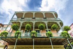 De oude huizen van New Orleans in het Frans stock foto's