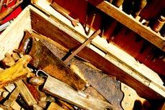 De oude hulpmiddelen van de timmerman Stock Fotografie