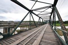 De oude ijzerbrug stock afbeelding