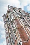 De oude kerktoren in Gorinchem. Stock Afbeeldingen