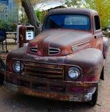 De oude klassieke doorwaadbare plaats neemt vrachtwagen op Royalty-vrije Stock Foto
