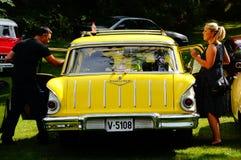 De oude klassieke gele details van de autoinham Stock Afbeeldingen