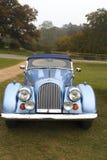 De oude klassieke geparkeerde sportwagen van Morgan Royalty-vrije Stock Foto