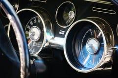 De oude klassieke zwarte details van de autoinham Stock Afbeelding