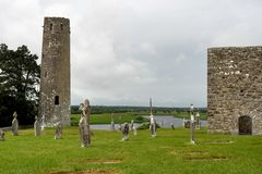 De oude kloosterstad van Clonmacnoise in Ierland royalty-vrije stock foto's