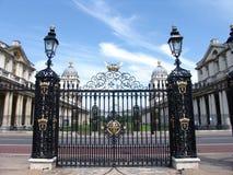 De oude Koninklijke Poorten van de Universiteit van de Navel Stock Afbeeldingen
