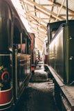 De oude locomotief van de stoommotor in België tijdens een tentoonstelling Stock Foto