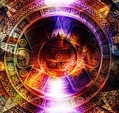 De oude Mayan Kalender en het licht omcirkelen effect, abstracte kleurenachtergrond, computercollage Royalty-vrije Stock Foto's