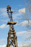 De oude Molen van de Wind Aermotor stock afbeeldingen