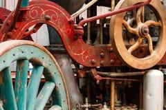 De oude motor van de stoombrand op vertoning bij treinmuseum stock fotografie