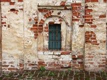 De oude muren van het Cyril-Belozersky Klooster, Kirillov, Rusland Royalty-vrije Stock Afbeeldingen