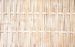 De oude omheining van het aardbamboe in de textuur van weefselpatronen, ambachten grungy achtergrond royalty-vrije stock foto's