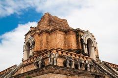 De oude Pagode bouwt van baksteen in Wat Chedi Luang in Chiang Mai Stock Foto