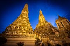 De oude pagode meer dan 200 jaar in Aroonratchawararam Stock Afbeelding