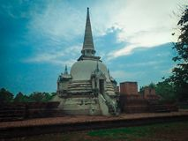 De oude pagode van de ayutthayabaksteen stock afbeeldingen
