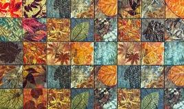 De oude patronen van muurkeramische tegels handcraft van de parkenpubliek van Thailand royalty-vrije illustratie