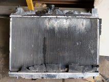 De oude radiator van de Autocondensator stock foto