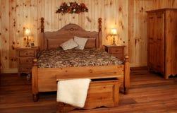 De oude reeks van de Slaapkamer van het pijnboomhout Royalty-vrije Stock Foto's