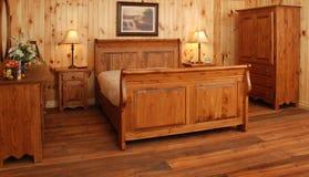 De oude reeks van de Slaapkamer van het pijnboomhout Royalty-vrije Stock Fotografie