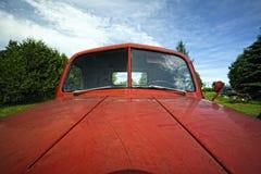 De oude Rode Antieke Auto van de Rammelkast Royalty-vrije Stock Foto's