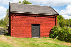 De oude rode landbouwbedrijfbouw Royalty-vrije Stock Fotografie