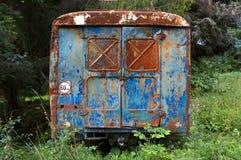 De oude roestige bus Royalty-vrije Stock Afbeeldingen