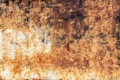 De oude roestige uitstekende achtergrond van het ijzermetaal Stock Foto's