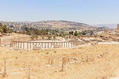 De oude Roman stad in Jerach, Jordanië, Ovaal Plein, bird's oogmening Stock Foto