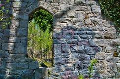 De oude ruïnes van de steenkerk in Patapsco-het Park van de Staat in Maryland Royalty-vrije Stock Afbeeldingen