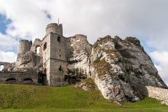 De oude Ruïnes van het Kasteel in Ogrodzieniec Stock Afbeelding