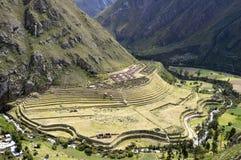 De oude Ruïnes van Llactapata Inca in vallei Urubamba royalty-vrije stock foto
