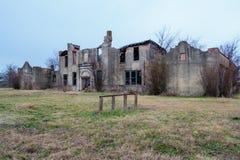 De oude School brandde in Moshiem Texas plat Stock Foto's
