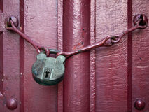 De oude Sleutel van het Slot royalty-vrije stock afbeelding
