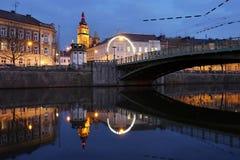 De oude Stad en brug van Praag Stock Afbeeldingen