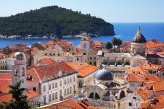 De oude stad en Lokrum van Dubrovnik Stock Foto's