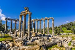 De Oude Stad van Euromoseuromus Soke - Milas-weg, Mugla, Turkije De tempel van Zeus Lepsynos werd gebouwd in de 2de eeuw stock foto