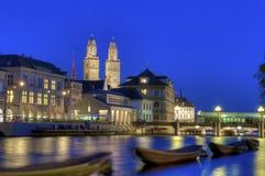 De oude stad van Zürich bij nacht Royalty-vrije Stock Fotografie