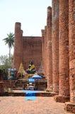 De oude standbeelden van Boedha bij de tempel Royalty-vrije Stock Foto