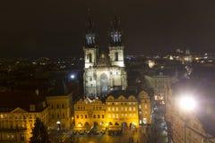 De oude Steden regelen Kerstmismarkten voor voor de Kerk van onze dame vóór TÃ ½ n Royalty-vrije Stock Afbeeldingen