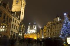De oude Steden regelen Kerstmismarkten voor voor de Kerk van onze dame vóór TÃ ½ n Royalty-vrije Stock Afbeelding